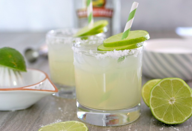 Margarita with fresh limes