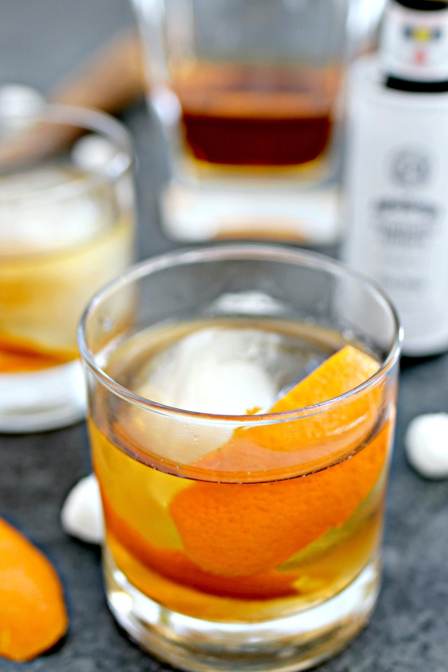 bourbon old fashioned with an orange peel