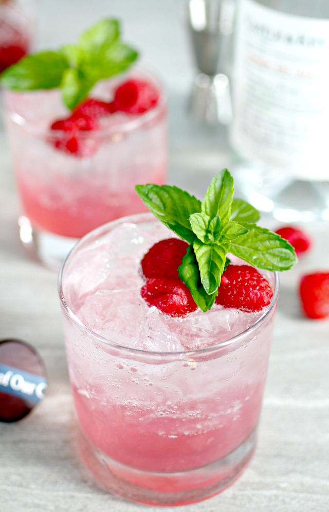 How to make a Raspberry Gin Fizz